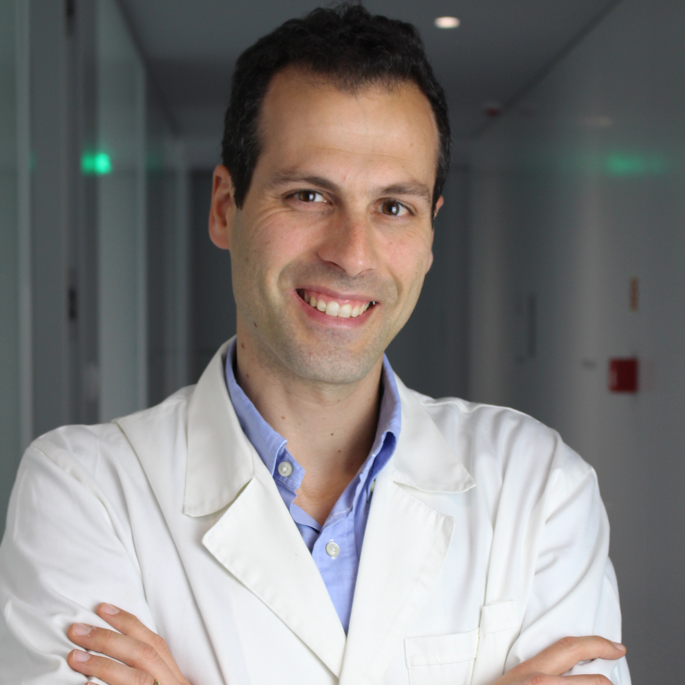Dr. Carlos Eduardo Araújo